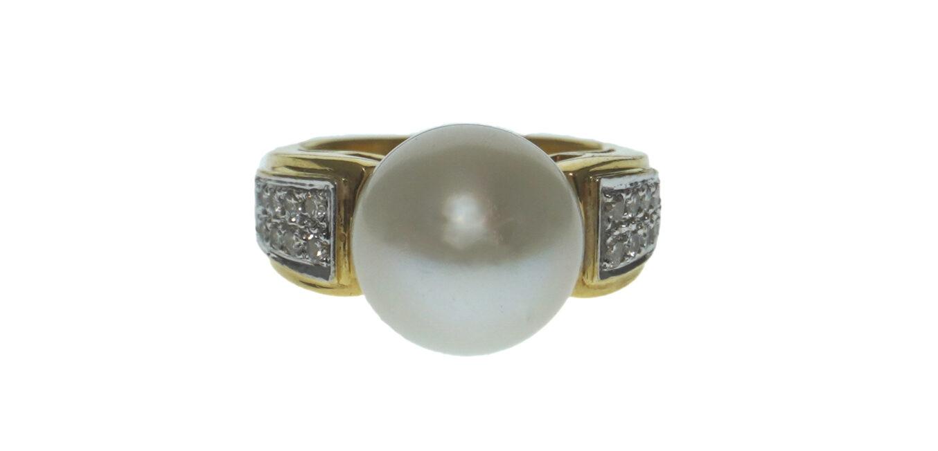 Ladies 18K Pearl Cocktail Ring