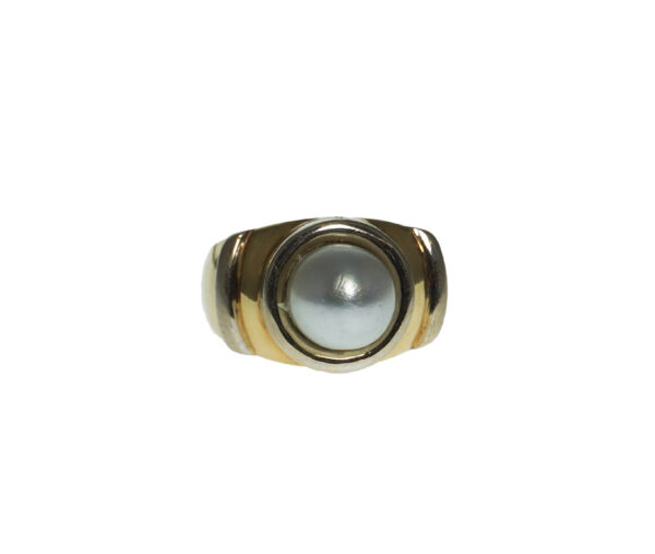 ladies yellow gold eighteen karat cultured pearl two tone modern style ring